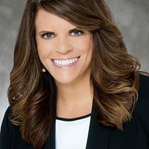 Photo of Ann Reisch