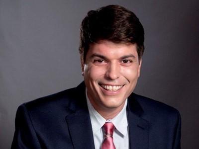 Dr. Carlos Turner Cortez