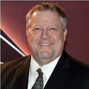 Jeffrey P Lueders